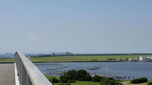 中の島大橋から見たアクアライン