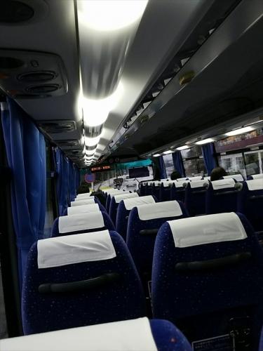 暴風雨の日のアクアラインバス