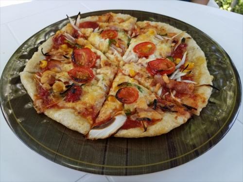 糸の里山_玄米ピザ(トマト)