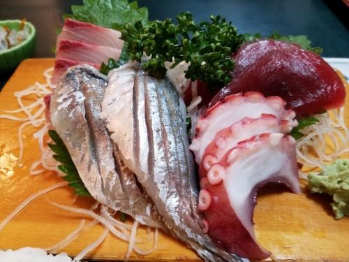 魚まさ_刺身定食アップ