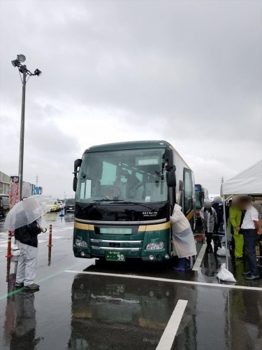 日東新型観光バス