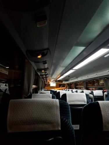 小湊バス_寒色系車内