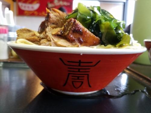 福のじ_チャーシュー麺_横から
