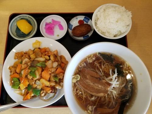 紅昇_鶏肉の辛し炒めランチ