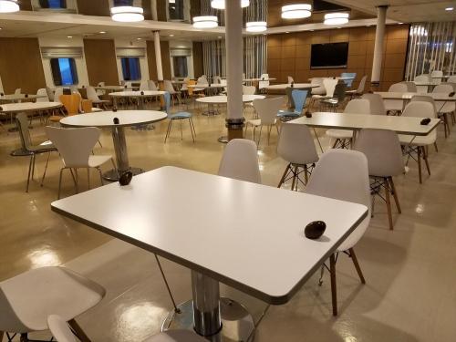ブルードルフィン2_食堂